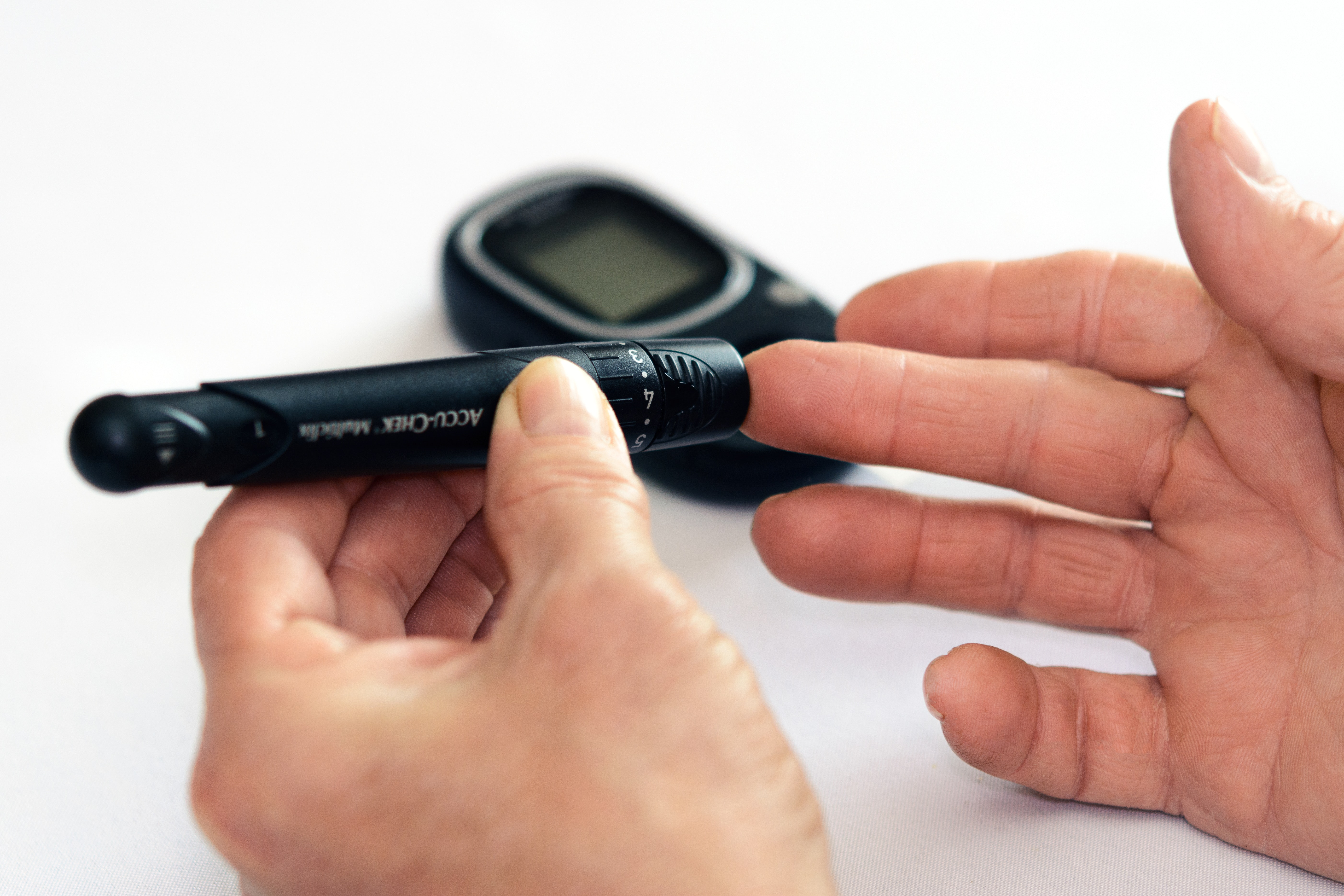 checking-close-up-diabetes-1001897